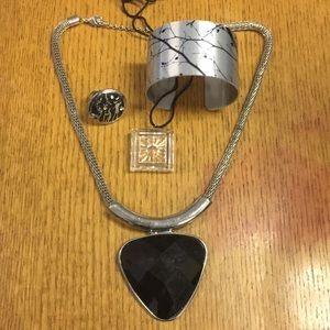Jewelry - Black and Silver Jewelry Set (4 piece)